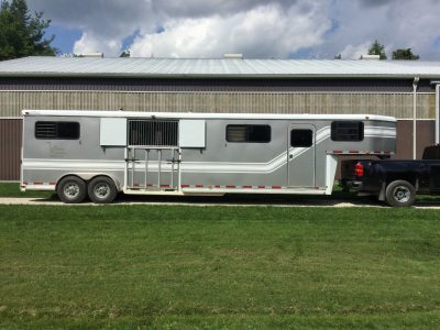 2004 Four Horse Pre Owned Trailer