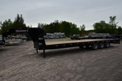 28′ Tri Axle Gooseneck Equipment Trailer