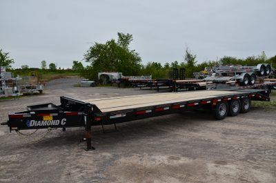 28′ Tri Axle Equipment Trailer